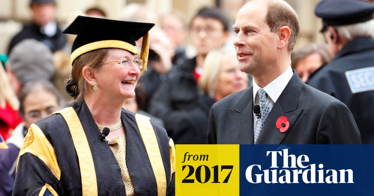 Calls for Bath University vice-chancellor to resign over further pay