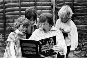 Daniels doing tricks for some children - Martin Davies (15), Lucy (6) and Nicky (9). Blackpool, 24th August 1978