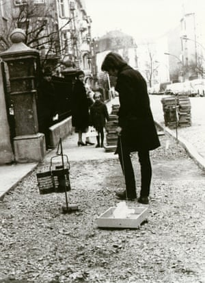 LIDL-Walk: Jörg Immendorff with his 'polar bear vehicle', 1968