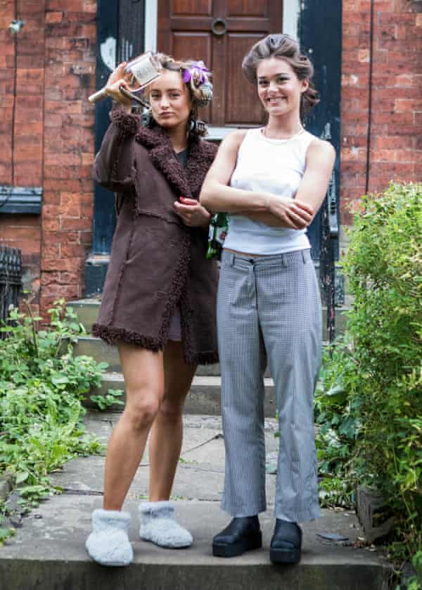 University of Leeds students Amy Cooke and Issy Goodlace.
