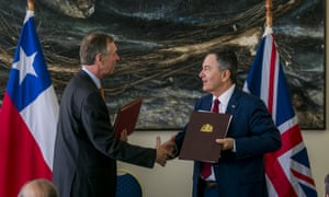 UK ambassador to Chile, Jamie Bowden, and Roberto Ampuero, Chilean minister of foreign affairs