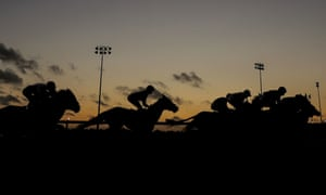 An apprentices' handicap at Wolverhampton saw the eventual winner 30 lengths clear with a circuit to run.