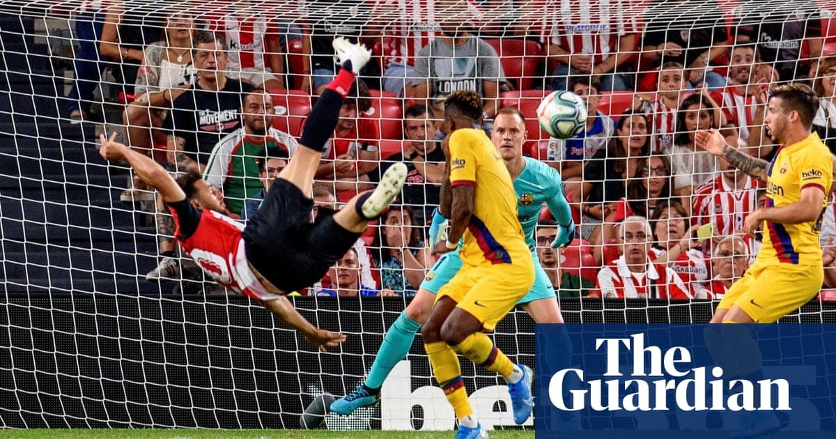 Aritz Aduriz's late acrobatics for Athletic Bilbao stun Barcelona