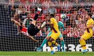 Aritz Aduriz scores a spectacular goal against Barcelona in August 2019