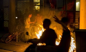 A fire breaks out during the fourth night of demonstrations in The Hague.