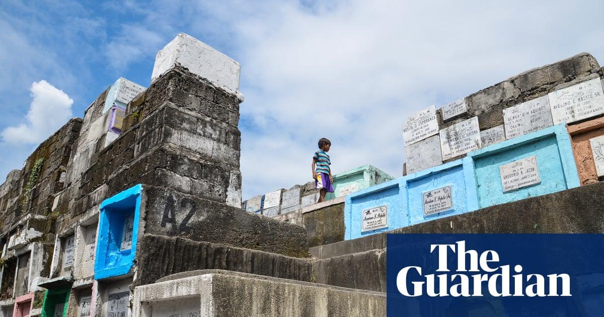 Graveyard living: inside the 'cemetery slums' of Manila