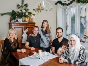 Manuela and Jörg Buisset, daughter Nöemi with Nourhan, Ahmed and their daughter Alin