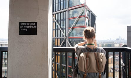 The residential flats of Block C of the Neo Bankside building are just 34 metres from the viewing gallery at Tate Modern.