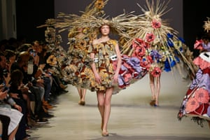 Viktor&Rolf's Van Gogh Girls haute couture collection, spring–summer 2015.