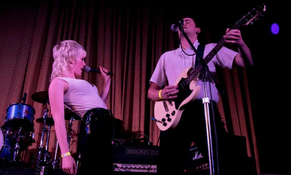 Amyl and the Sniffers.