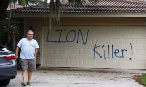 walter palmer cecil the lion vacation home vandalized
