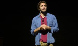 Jake Gyllenhaal en Sea Wall / One life
