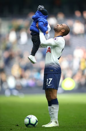 Moura celebrates with his son Miguel Moura.