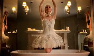 Viktorina Kapitonova in Swan Lake Bath Ballet.