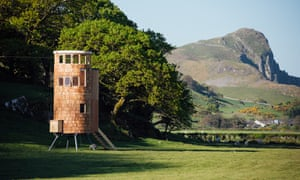 Another hut with a 'scaly' exterior (this time of cedar shingles). Little Dragon, by Barton Willmore Architects, sits on tripod legs and has a cylindrical design with plenty of natural light.