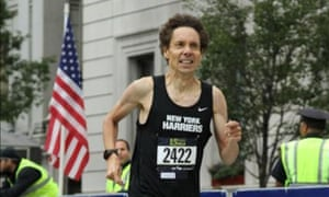 Malcolm Gladwell in the finishing stages of the Fifth Avenue Mile in 2014.