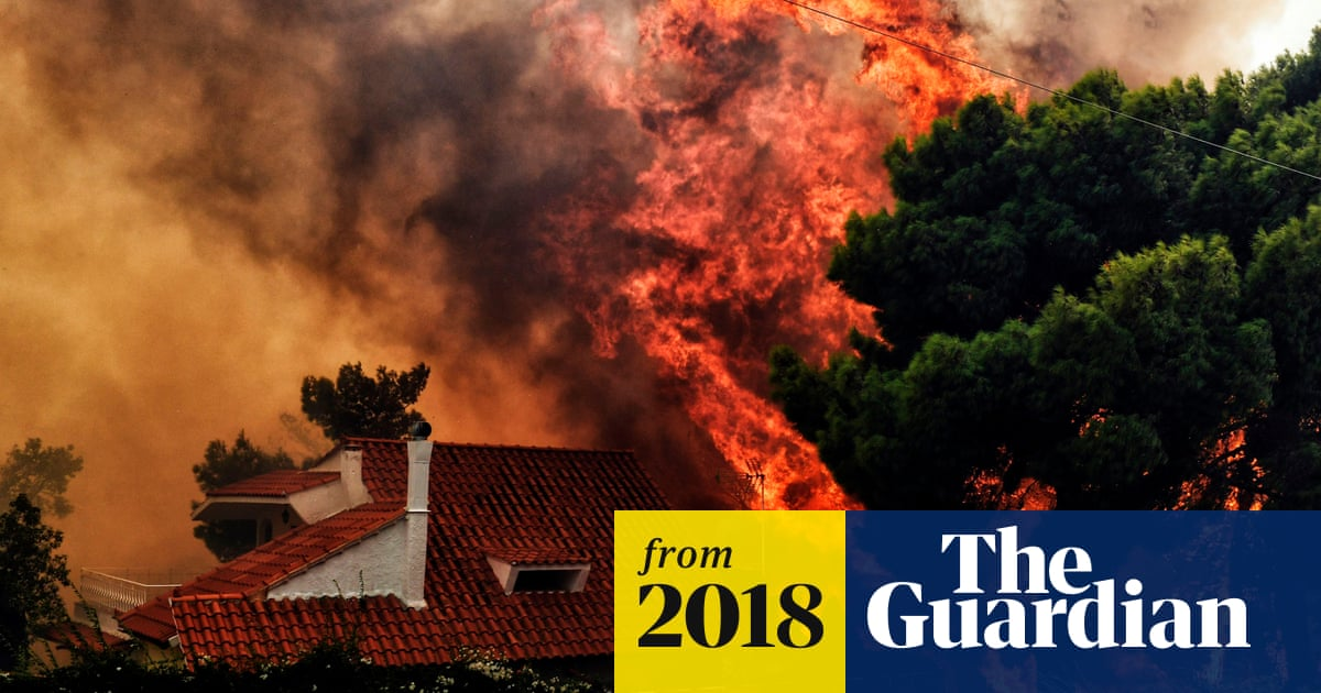 Greece wildfires: scores dead as holiday resort devastated
