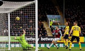 Burnley's Jay Rodriguez somehow fails to score past Arsenal's Bernd Leno.