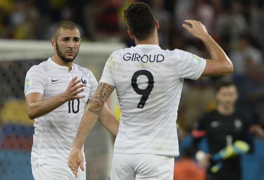 Giroud and Karim Benzema playing together in a World Cup match against Ecuador in 2014.