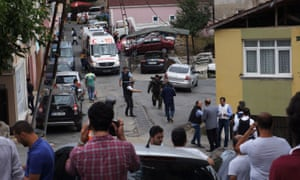 Police around the US consulate building in Istanbul.