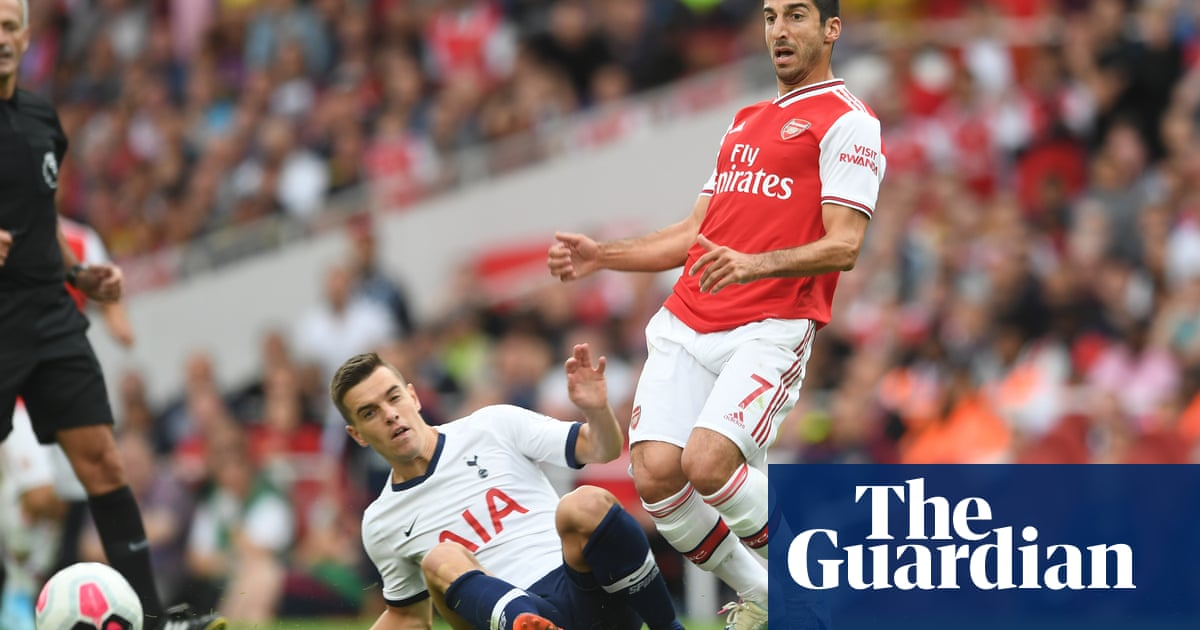 Arsenal's Henrikh Mkhitaryan to join Roma in loan with option to buy