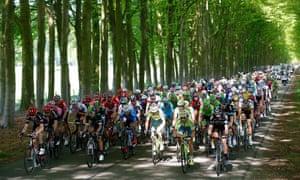 The peloton on the third stage of the Giro d'Italia on Sunday.