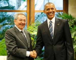 President Obama meets Cuba's President Raul Castro
