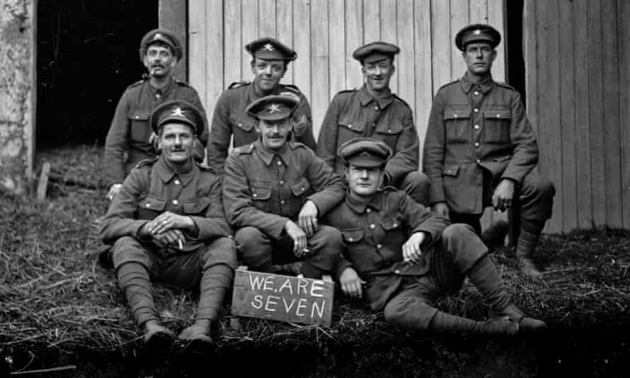 a group of first world war soldiers