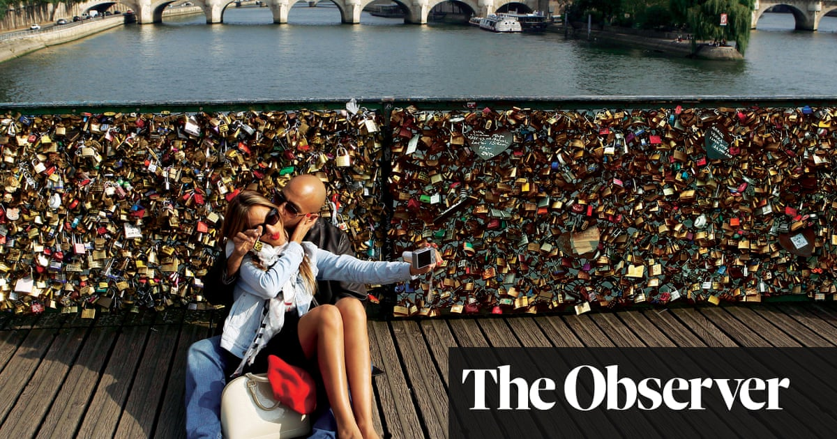 eef81af80 The lock of love: padlocks on bridges | Life and style | The Guardian
