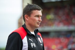 Paul Heckingbottom before the match between Barnsley and Reading at Oakwell