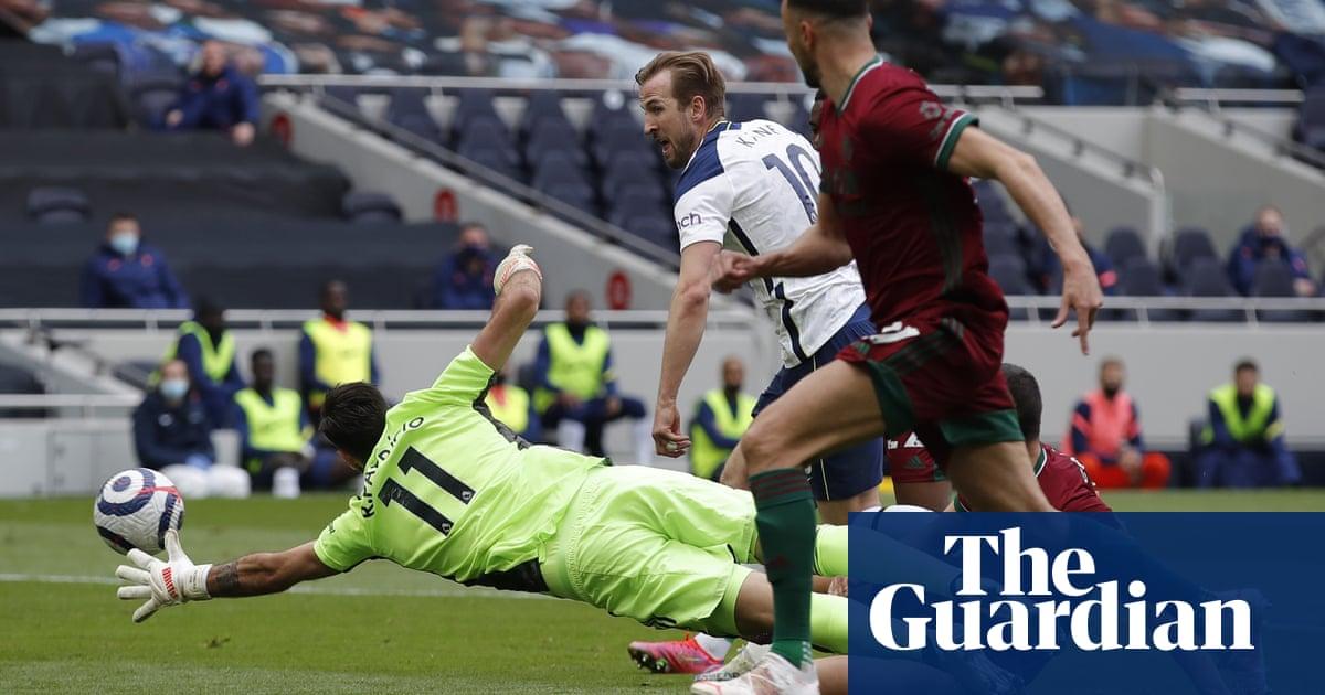 Harry Kane defangs Wolves to keep Tottenham in European hunt