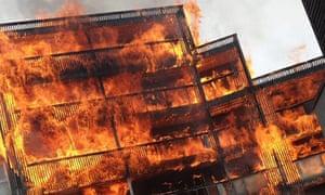 Flames engulf Samuel Garside House in Barking
