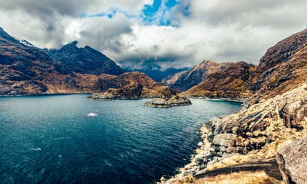 The bewitching Coruisk coastline.