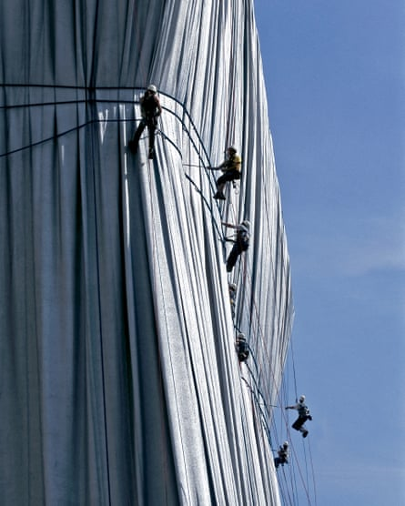 Christo's crew abseiling down the Reichstag in 1995.