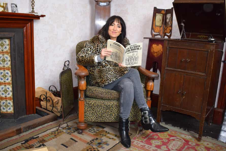 KT Tunstall read out parts of Life in a Scotch Sitting Room Vol 2 through tears of laughter