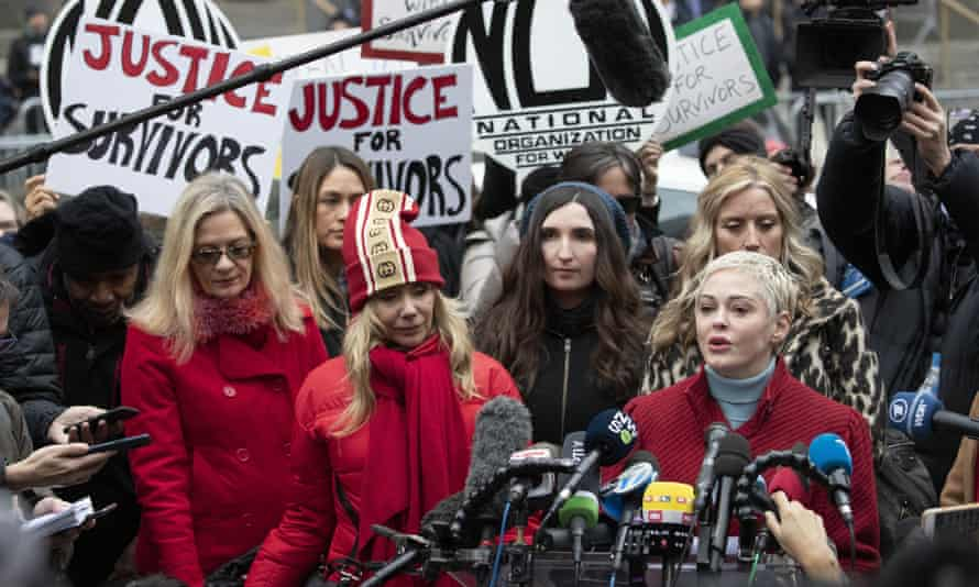 The actor Rose McGowan speaks at a news conference outside the courthouse after the arrival of Weinstein.