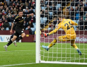 Jesus scores Manchester City's fourth goal.