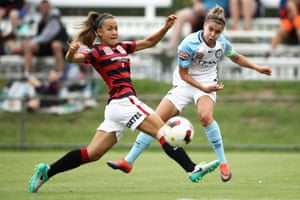 Stephanie Catley of Melbourne City crosses the ball during a W-League match against the Western Sydney Wanderers