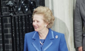 Margaret Thatcher leaves 10 Downing Street residence on 22 November 1990 for Buckingham Palace to inform the Queen of her decision to resign.