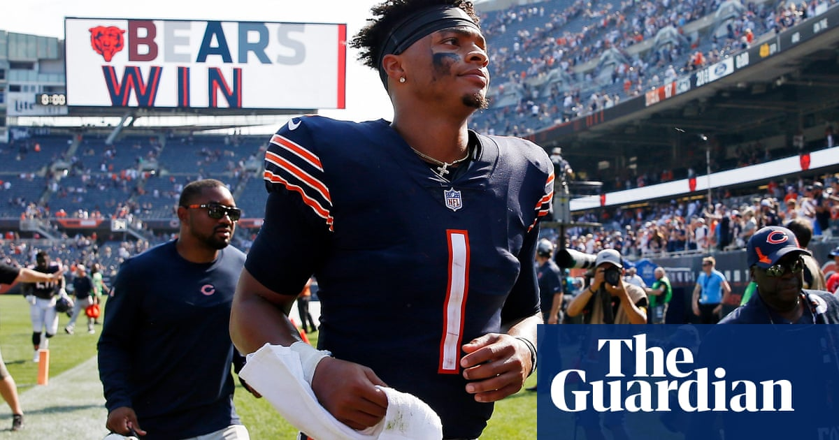 Rookie Justin Fields will step up as Bears' starting quarterback, team confirms