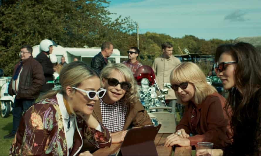 Laura McMonagle, Leslie Ash and Toyah Willcox in To Be Someone.