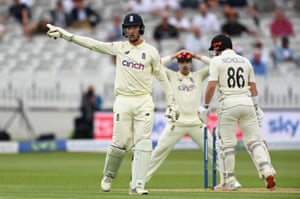 James Bracey appeals for the stumping of Henry Nicholls