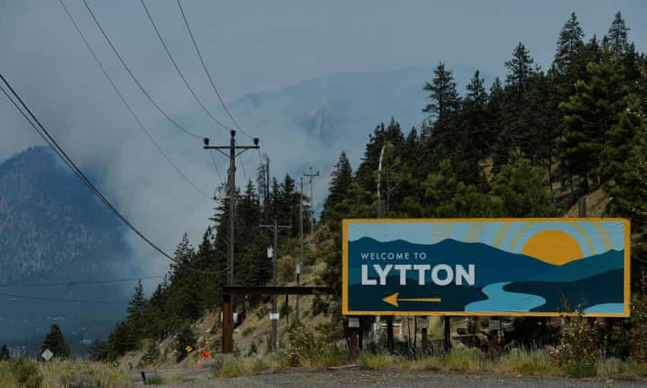 Town of Lytton evacuated due to wildfire<br>The sign for the town of Lytton, where a wildfire raged through and forced residents to evacuate, is seen in Lytton, British Columbia, Canada July 1, 2021. REUTERS/Jennifer Gauthier