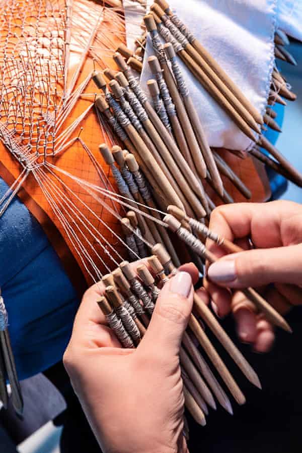 Delicate work: creating lace for the Baguette Abruzzo Simona Iannini