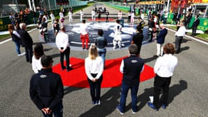 The F1 drivers take part in a minute of silence in tribute to the late Anthoine Hubert.
