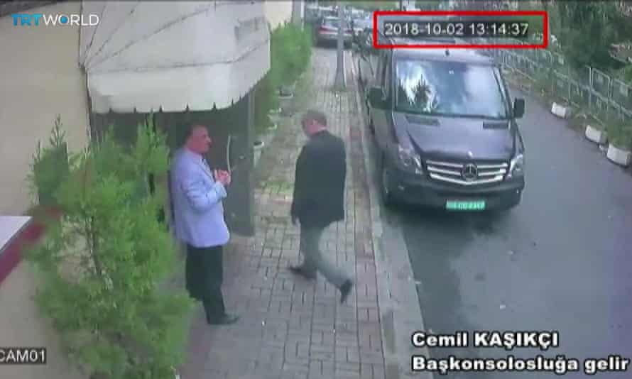 Khashoggi enters the Saudi consulate