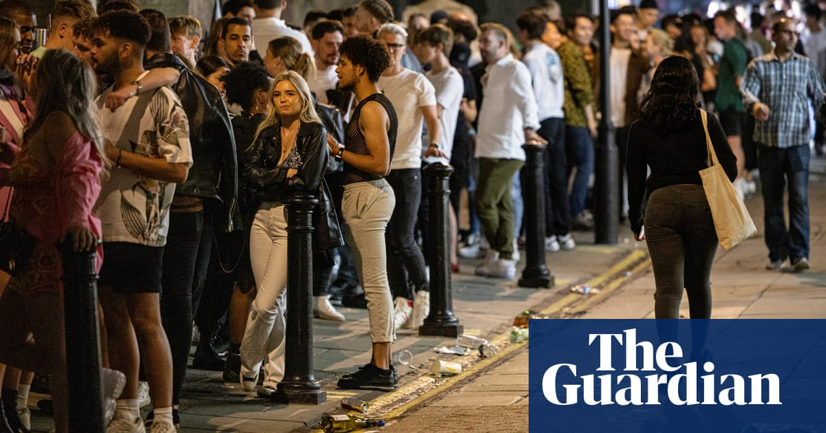 Vaccination campaign warns young people they risk 'missing out' on nightclubs