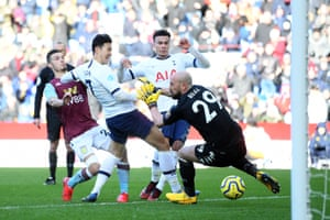 Son hits the rebound past Reina for Tottenham's second.