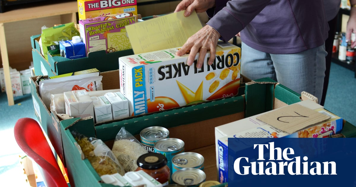 'Choice between using shower or oven': harsh realities of universal credit cut