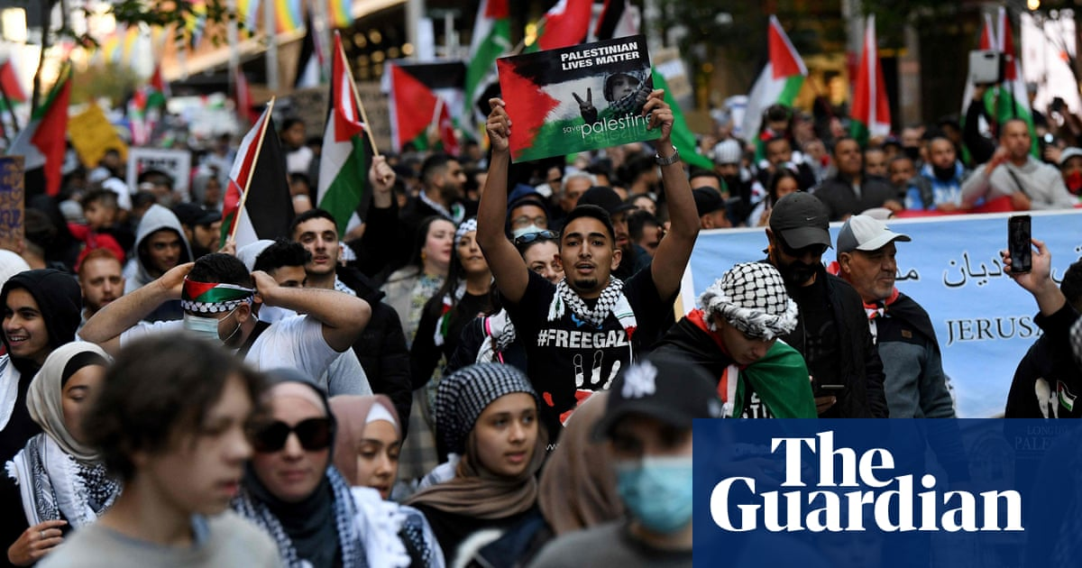 Thousands march in Free Palestine rallies in Sydney and Melbourne